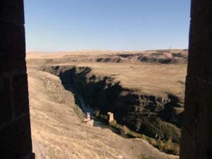 Der Arpa Çayı Grenze zwischen Türkei und Armenien