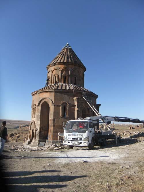 06 - Restaurierungsarbeiten in Ani