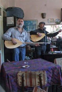 Bardensänger in einem ostanatolischen Teehaus