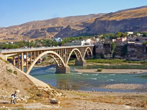 Die neue Tigris-Brücke