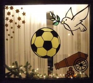 """Adventfenster """"Der kleine Frieden im Großen Krieg"""""""
