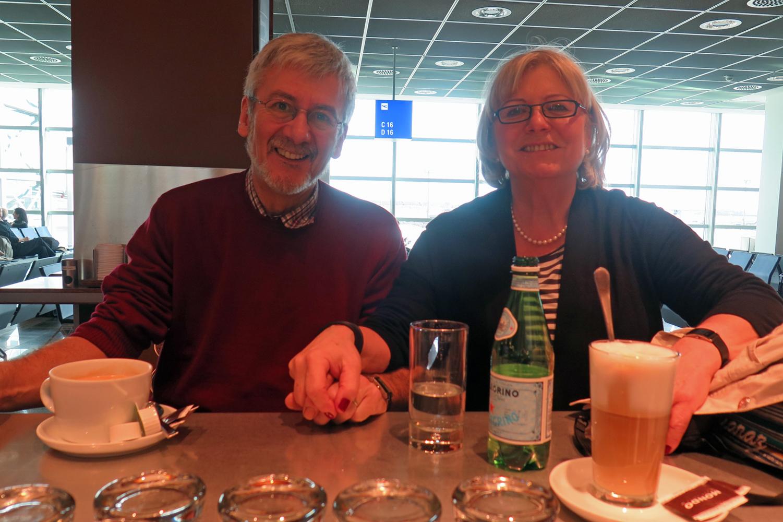 In der Flughafenbar - Frankfurt