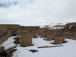 Ruinenfeld der Kultstätte Takht-e Soleymann