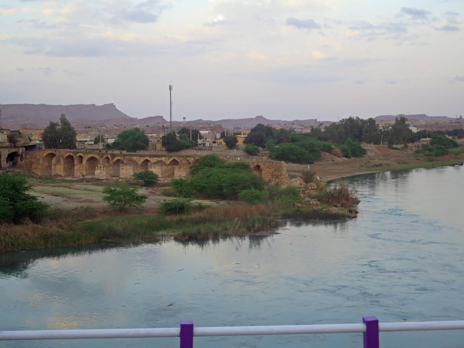Historische Brücke bei Schuschtar, Iran